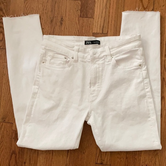 New with tags dnwr white Zara jeans!